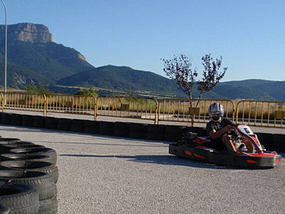 Karting en Jaca: Karts individuales, dobles, junior y carreras