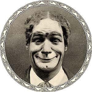 Marcelino Orbés Casanova nació en el seno de una humilde familia en la calle Castellar de Jaca en 1873. Actuó junto a Houdini y los hermanos Fratellini; fue un ejemplo para Chaplin –con quien compartió cartel en Londres– y una de las principales atracciones durante varias décadas en el Hippodrome de Broadway. Su fallecimiento, se suicidó en Nueva York en 1927, apareció en las portadas del New York Times y del Washington Post.