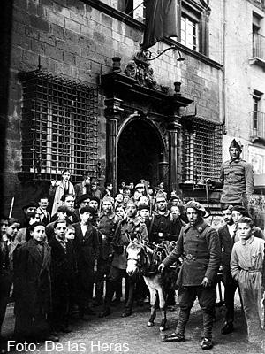 Sublevación de Jaca en la puerta del Ayuntamiento. Foto De las Heras
