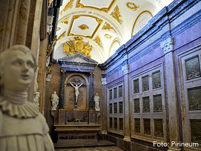 Iniciadas las visitas al Panteón Real del monasterio de San Juan de la Peña