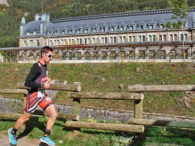 Tras la exitosa duodécima edición de la Canfranc Canfranc, con récord de inscritos y tiempos, el running sigue siendo protagonista con el II Duatlón de Canfranc, el Kilómetro Vertical de Canfranc y la Media Maratón de Castiello. Leer más